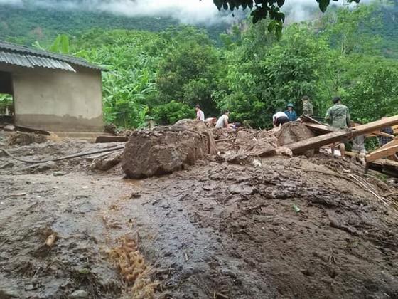 Nỗ lực khắc phục hậu quả mưa lũ ảnh 4