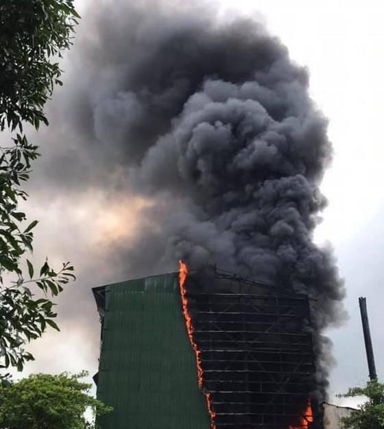 Nghệ An: Cháy lò luyện thiếc ảnh 1