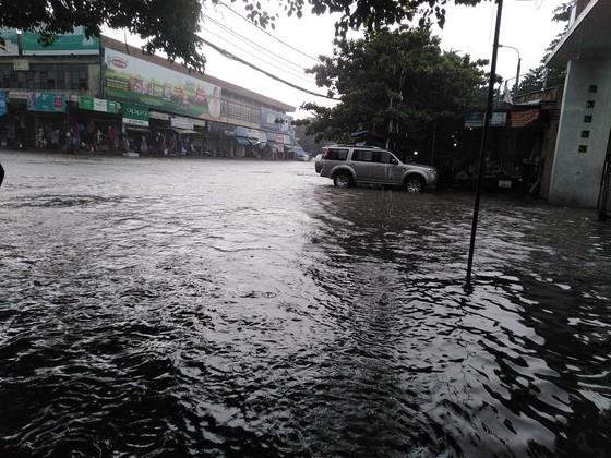 Nhiều nơi tại Nghệ An ngập lụt, có thể lùi thời gian khai giảng năm học ảnh 2