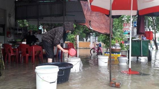 Nhiều nơi tại Nghệ An ngập lụt, có thể lùi thời gian khai giảng năm học ảnh 3