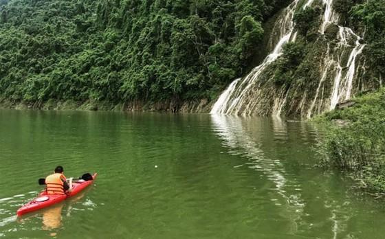 探索拿亨湖與瞭解少數民族文化 ảnh 1