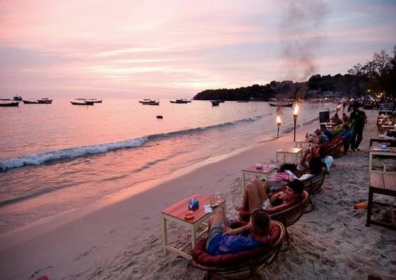 柬埔寨西哈努克城的美麗海灘 ảnh 1