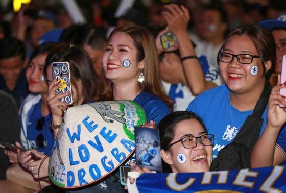 Chelsea đại thắng ngày Drogba về Việt Nam ảnh 3