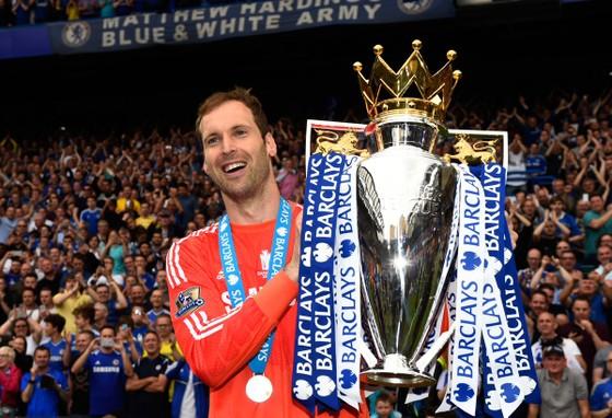 """Petr Cech: Từ kẻ cống hiến máu – thịt – xương cho Chelsea đến gã khổng lồ """"bắt vía"""" ảnh 3"""