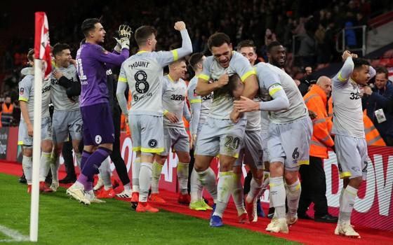 Ashley Cole có thể tái ngộ Lampard ở Derby County ảnh 3