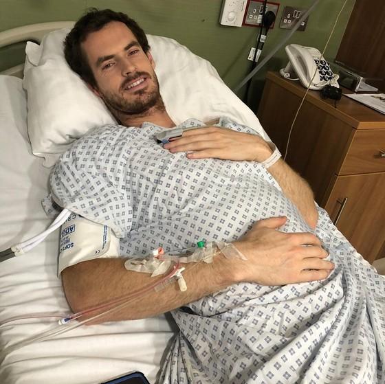 Andy Murray trên giường bệnh
