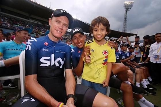 Xe đạp: Chris Froome choáng ngợp với sự tiếp đón ở Tour Colombia ảnh 4