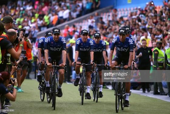 Xe đạp: Chris Froome choáng ngợp với sự tiếp đón ở Tour Colombia ảnh 1