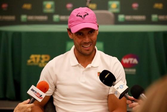 Indian Wells: Federer luyện cú trái tay 2 tay, Nadal hạ giọng với Kyrgios ảnh 2