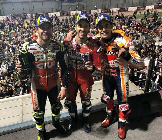 Đua xe mô tô: So kè từng mét đường, khúc cua, Dovizioso hạ Marquez, lên ngôi Vua ở Qatar ảnh 1