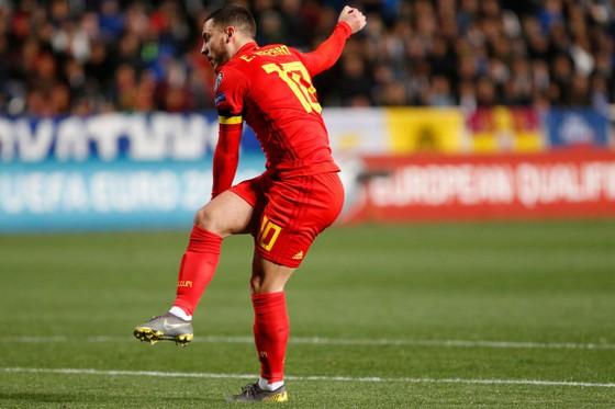 Eden Hazard: Ghi bàn thắng thứ 30 trong trận đấu thứ 100 cho tuyển Bỉ ảnh 3