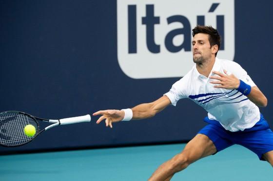 "Miami Open: Djokovic dọa ""nghỉ chơi"" trong trận thắng Delbonis ảnh 2"
