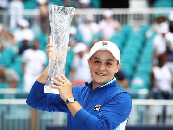 Ashleigh Barty là tay vợt nữ thứ 14 lên ngôi ở WTA Tour mùa này