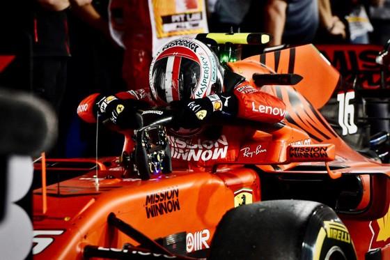 Đua xe F1: Màn lật đổ ngoạn mục của Mercedes ở Bahrain ảnh 5