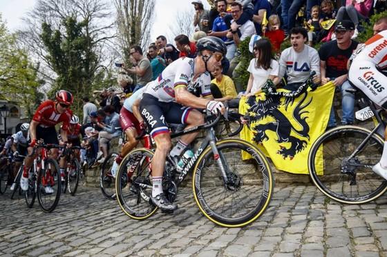 Xe đạp: Nằm ngoài tốp 10 Tour of Flanders, Sagan than vãn anh không còn như xưa ảnh 2