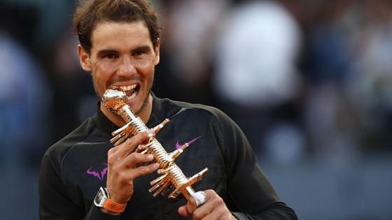 Roger Federer và mùa giải sân đất nện ảnh 2