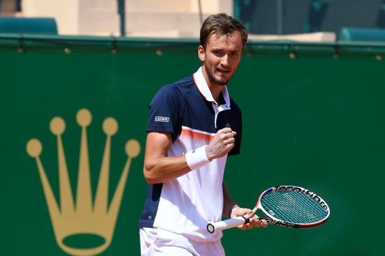 """Monte Carlo Masters: Djokovic thua sốc """"Next Gen"""" Medvedev, Nadal rộng cửa vô địch ảnh 1"""