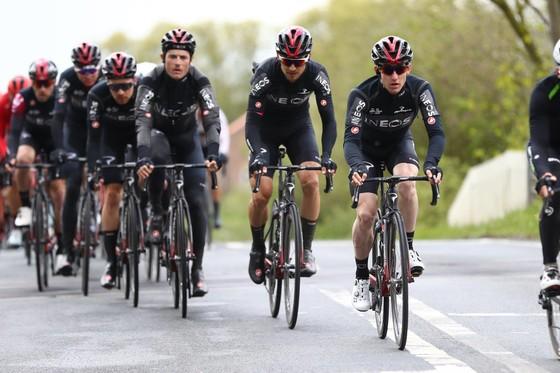Xe đạp: Bernal bị gãy xương đòn – cú giáng mạnh cho tham vọng của Ineos tại Giro ảnh 2