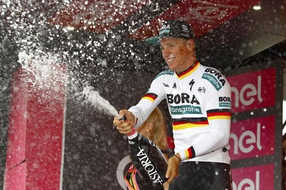 Giro d'Italia: Ackermann và Gaviria thay nhau thắng chặng 2 và 3, Viviani bị hủy kết quả ảnh 2