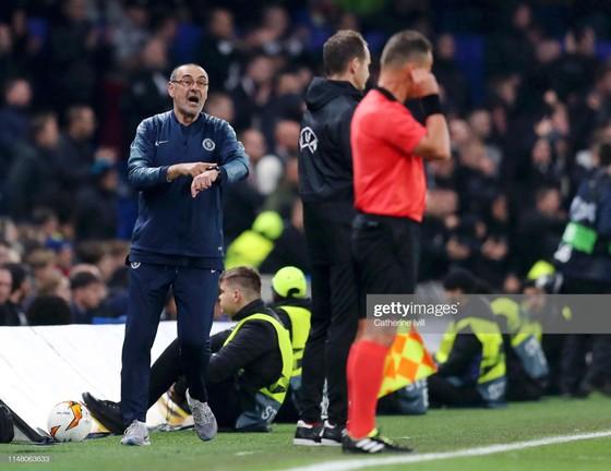 Theo báo chí Italia, Chelsea sẽ sa thải Sarri, bổ nhiệm Lampard làm HLV trưởng ảnh 1