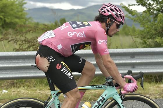 Giro d'Italia: Cú sốc ở chặng 6 – Roglic, Simon và Nibali văng khỏi tốp 10, người Ý thắng lớn ảnh 1