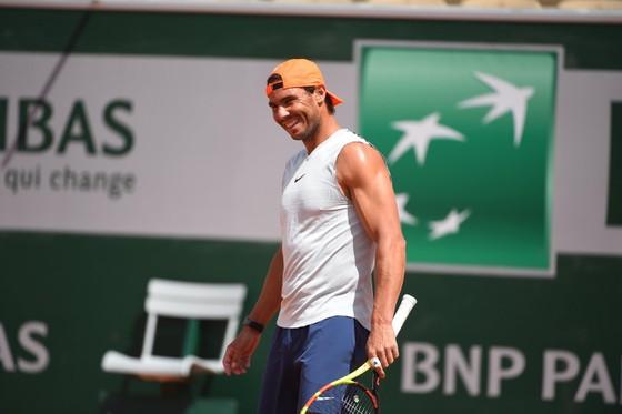Roland Garros: Đường Nadal rộng thênh thang tám thước… ảnh 1