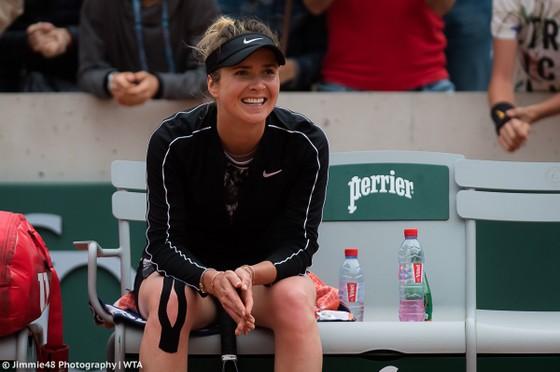 Roland Garros: Nụ cười của mỹ nhân Ukraine sau khi thắng tay vợt 7 lần vô địch Grand Slam ảnh 1