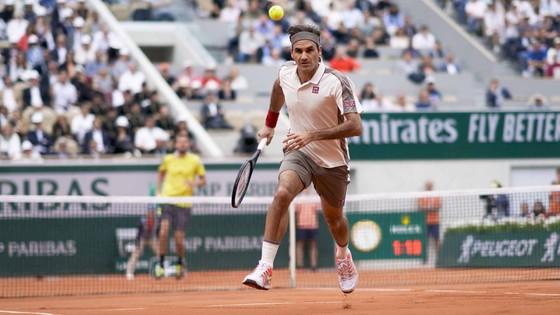 Đều thắng sau 3 ván đấu, nhưng Federer được chơi ở Philippe Chatrier, Nadal thì không ảnh 1
