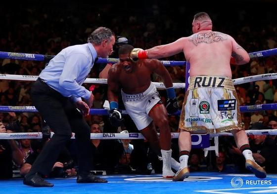 """Quyền Anh: Thua sốc Ruiz ở hiệp 7, AJ """"cơ bắp"""" trở thành kẻ trắng tay ảnh 2"""