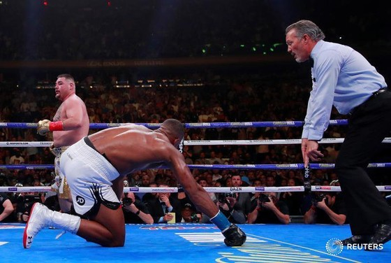 """Quyền Anh: Thua sốc Ruiz ở hiệp 7, AJ """"cơ bắp"""" trở thành kẻ trắng tay ảnh 3"""