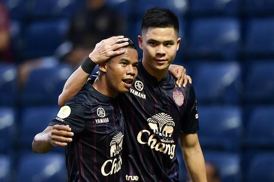 Niềm vui của các cầu thủ Buriram