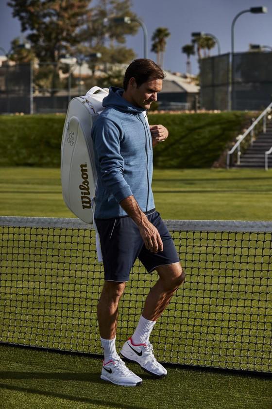 """Halle Open: Federer sẽ xuất trận với túi vợt Wilson """"Cúp vàng Wimbledon"""" ảnh 2"""