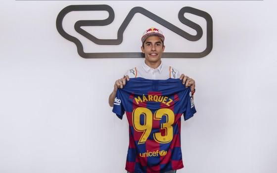 """Đua xe mô tô: Marquez thắng """"cú poker"""", em trai cũng đăng quang ở Catalunya ảnh 8"""
