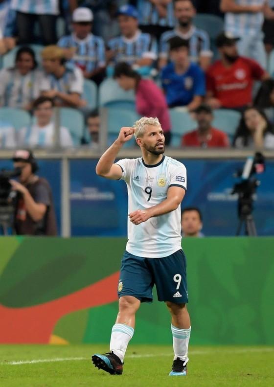 """Argentina xếp nhì bảng B: Nhờ Martinez và Aguero """"giải cứu"""", Messi muốn """"được ăn cả, ngã về không"""" ảnh 3"""