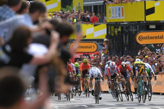 Tour de France: Teunissen đoạt chiến thắng ngay trước mặt Sagan ở chặng đua ngã xe hỗn loạn ảnh 4