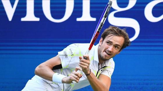 """US Open: Dimitrov bất ngờ loại Federer, sẽ đấu với """"Kẻ thù của nước Mỹ"""" - Medvedev ở bán kết ảnh 3"""