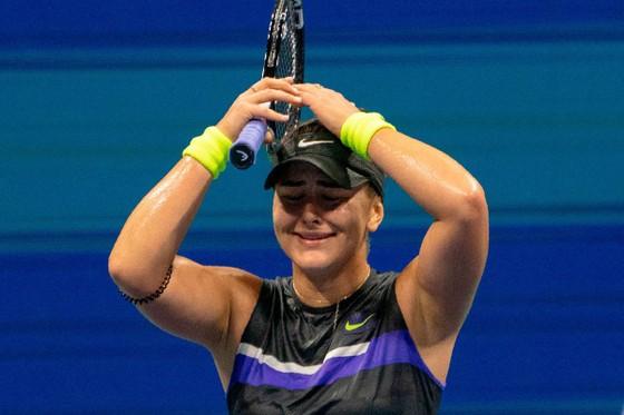 """US Open: """"Công chúa lọ lem"""" Andreescu đối đầu """"Cựu Nữ hoàng"""" Serena ở chung kết ảnh 8"""