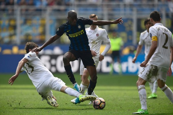 Serie A, vòng 8: Bước ngoặt của cuộc chiến ảnh 2