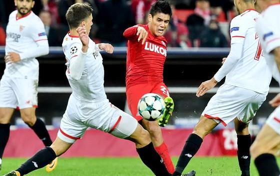 Bảng E: Liverpool đại thắng, Sevilla đại bại ảnh 2