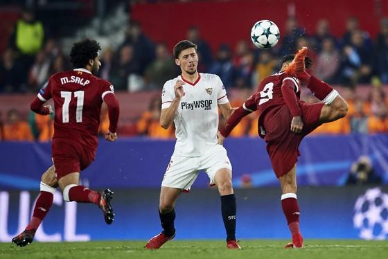Champions League: Liverpool đánh rơi chiến thắng ở Sevilla ảnh 1