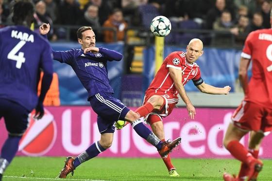 Champions League: Bayern thắng trận thứ 9, PSG tung lưới Celtic 7 lần ảnh 1