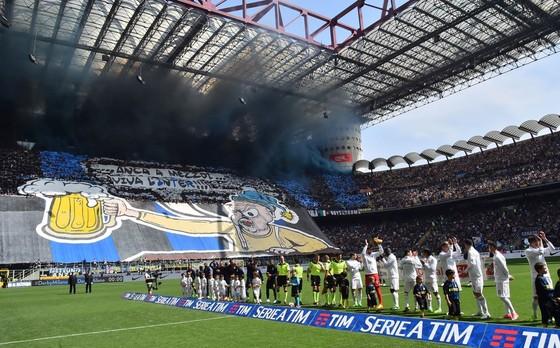AC Milan quyết không từ bỏ sân San Siro ảnh 1