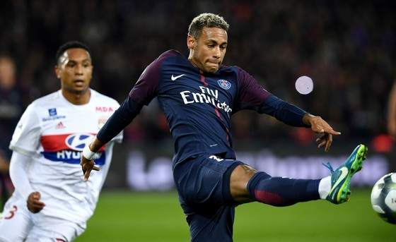 Chủ tịch Lyon tiết lộ bí mật hợp đồng Neymar ảnh 2