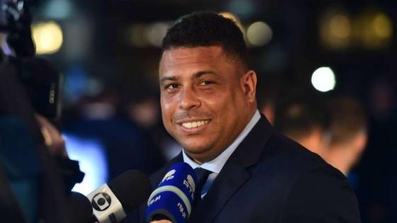 """Ronaldo """"béo"""" ủng hộ Napoli hạ bệ Juventus ảnh 1"""