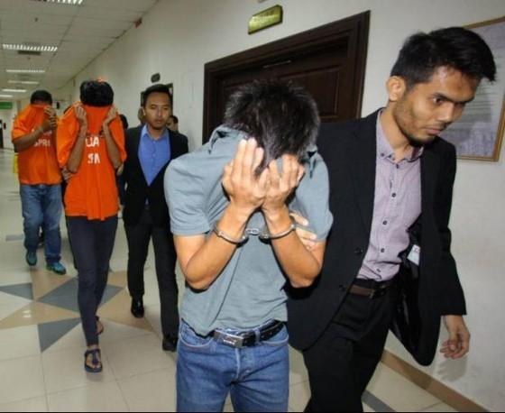 Cảnh sát bắt giam 3 nghi cán bán độ trong bóng đá Malaysia.