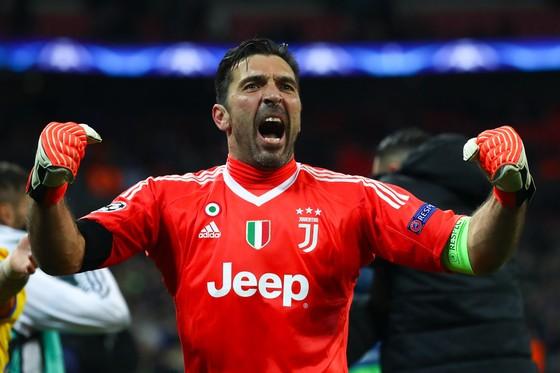 Buffon quyết định giải nghệ ở tuổi 40 ảnh 1