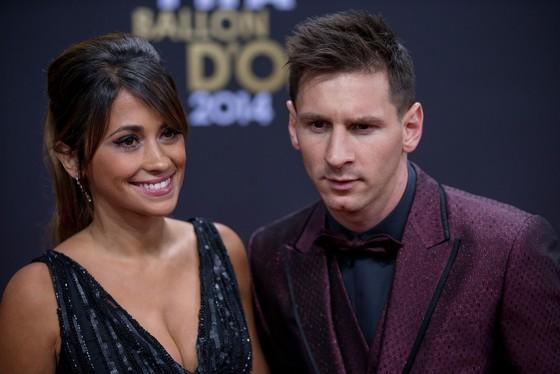 Messi và cô vợ Antonella Roccuzzo.