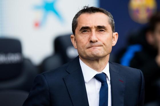 HLV Ernesto Valverde của Barcelona.