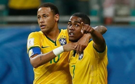 Neymar và Diego Costa ở tuyển Brazil.