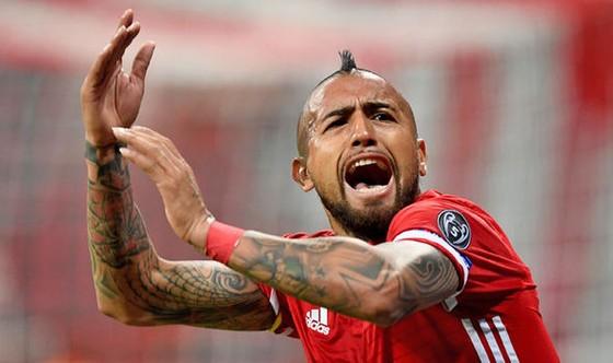 """Tiền vệ """"chiến binh"""" Arturo Vidal sẽ phải nghỉ đến hết mùa."""